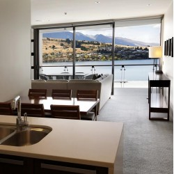 The Rees Hotel & Luxury Apartments - Lakefront hotel with private balconies offering spectacular views of Lake Wakatipu and surrounding mountains featuring a fine dining restaurant, privately-owned wine cellars and a spa center.