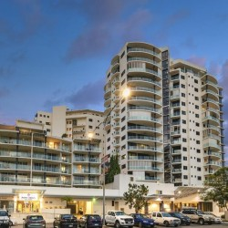 Park Regis City Quays Cairns - Centrally located in CBD offering self-contained apartments just a short walk to marina, restaurants and casino